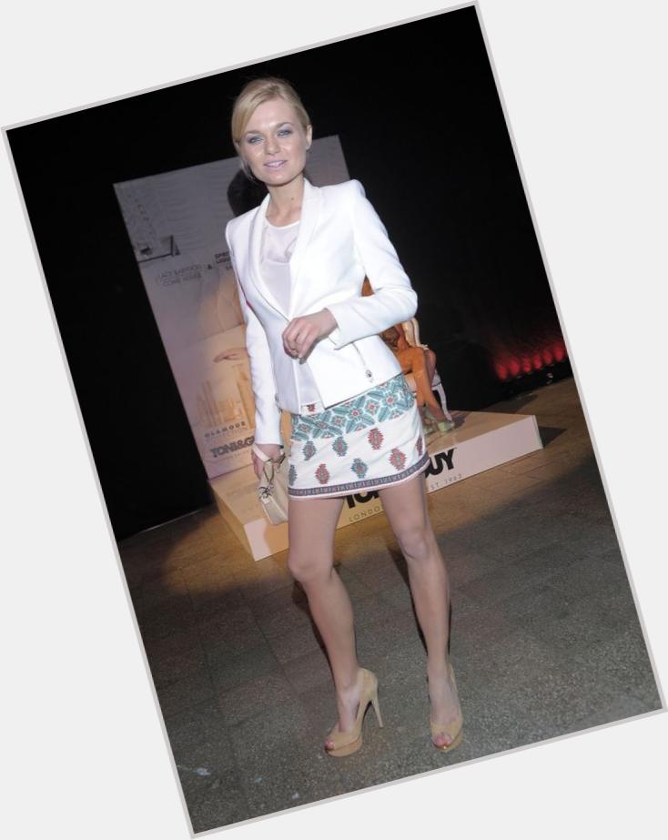 "<a href=""/hot-women/emilia-komarnicka/where-dating-news-photos"">Emilia Komarnicka</a> Slim body,  blonde hair & hairstyles"