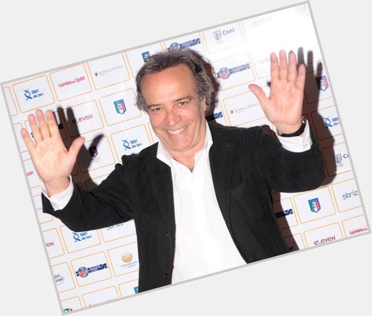 "<a href=""/hot-men/enrico-montesano/where-dating-news-photos"">Enrico Montesano</a> Average body,  salt and pepper hair & hairstyles"