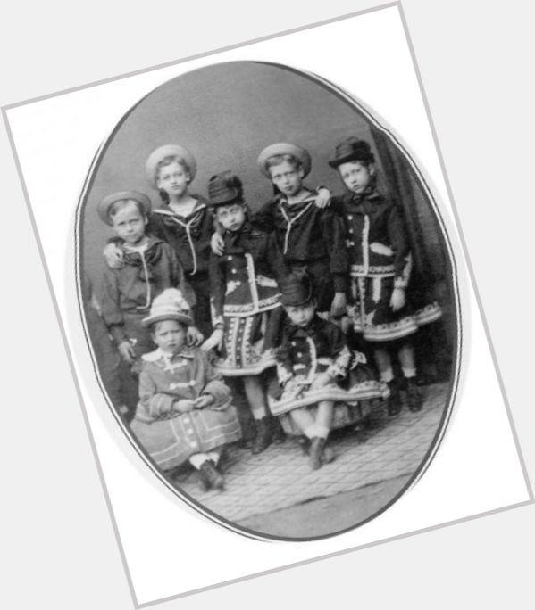 Ernest Louis Grand Duke Of Hesse young 7.jpg