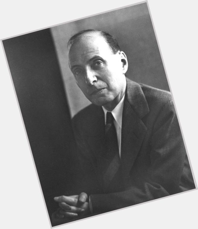 "<a href=""/hot-men/eugene-wigner/where-dating-news-photos"">Eugene Wigner</a> Average body,  dark brown hair & hairstyles"