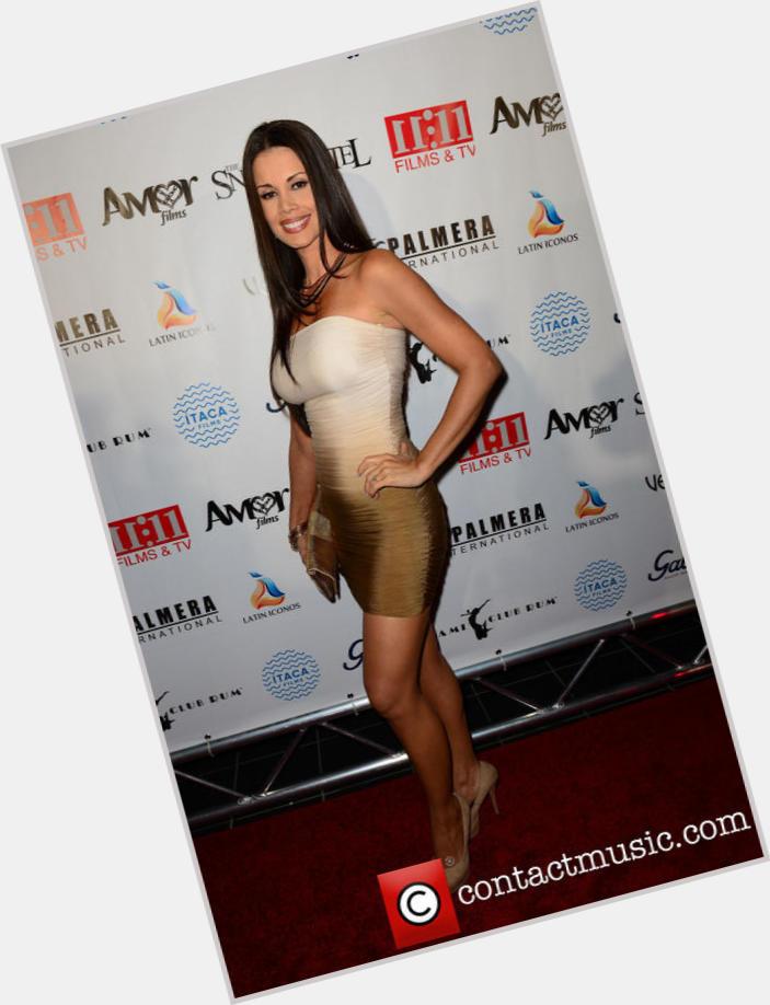 "<a href=""/hot-women/evelin-santos/where-dating-news-photos"">Evelin Santos</a> Slim body,  black hair & hairstyles"