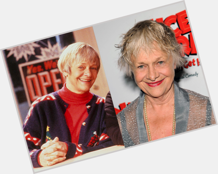 "<a href=""/hot-women/estelle-parsons/is-she-alive-related-jim-bald"">Estelle Parsons</a> Average body,  grey hair & hairstyles"