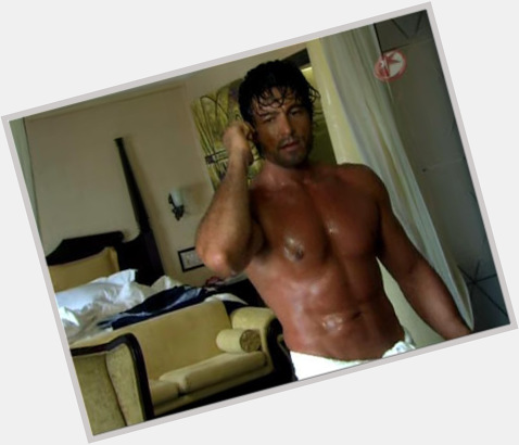 Fernando Colunga full body 9.jpg