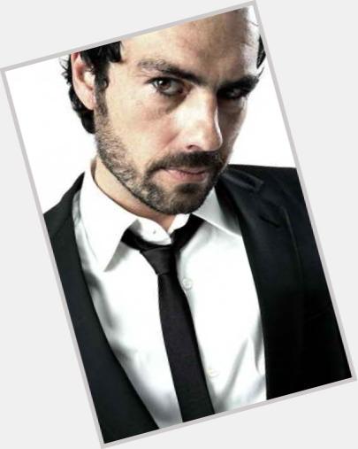 "<a href=""/hot-men/filipe-duarte/where-dating-news-photos"">Filipe Duarte</a> Average body,  dark brown hair & hairstyles"