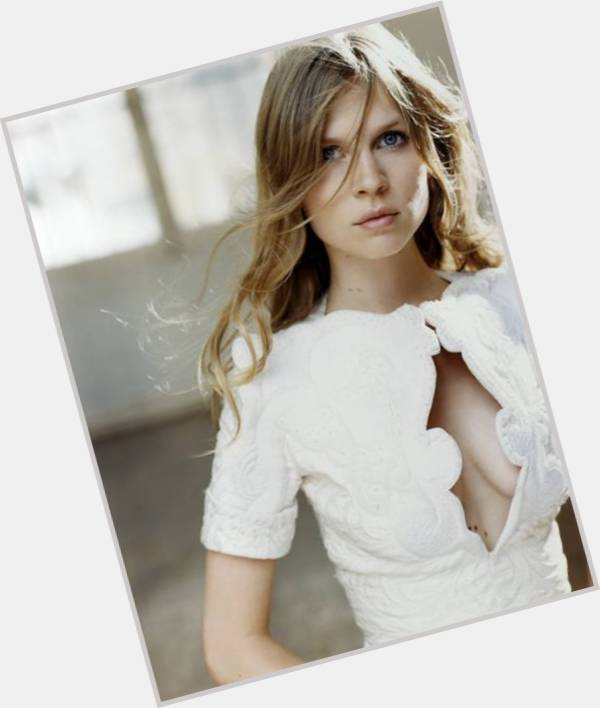 "<a href=""/hot-women/fleur-delacour/where-dating-news-photos"">Fleur Delacour</a> Slim body,  blonde hair & hairstyles"