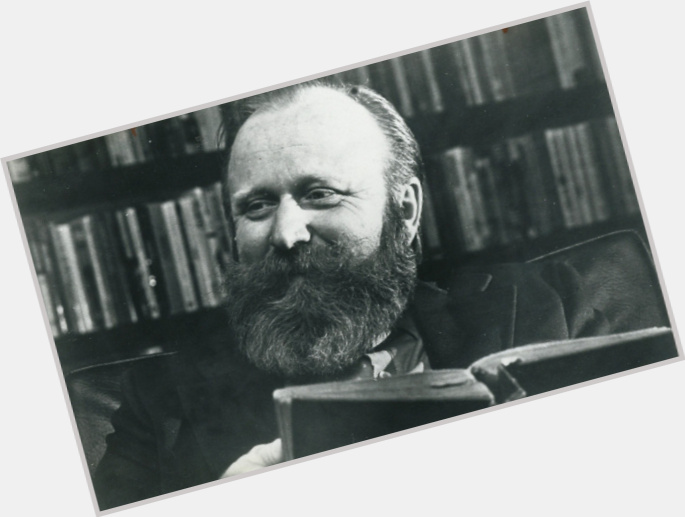 "<a href=""/hot-men/frank-herbert/where-dating-news-photos"">Frank Herbert</a> Average body,  salt and pepper hair & hairstyles"