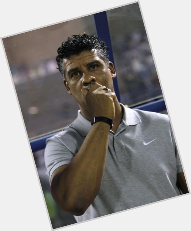 "<a href=""/hot-men/frank-rijkaard/where-dating-news-photos"">Frank Rijkaard</a> Athletic body,  black hair & hairstyles"