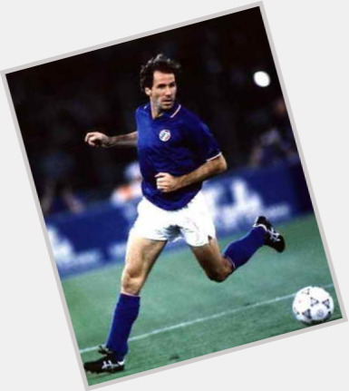 "<a href=""/hot-men/franco-baresi/is-he-where-now-tall"">Franco Baresi</a> Athletic body,  dark brown hair & hairstyles"