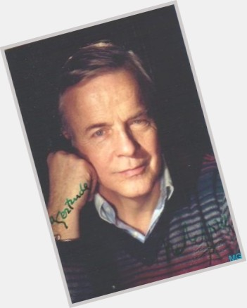 "<a href=""/hot-men/franco-zeffirelli/is-he-still-alive-where-buried"">Franco Zeffirelli</a> Average body,  grey hair & hairstyles"