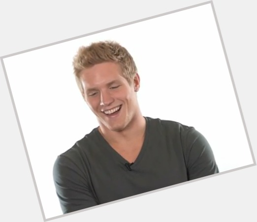 Gabriel Landeskog exclusive hot pic 5.jpg