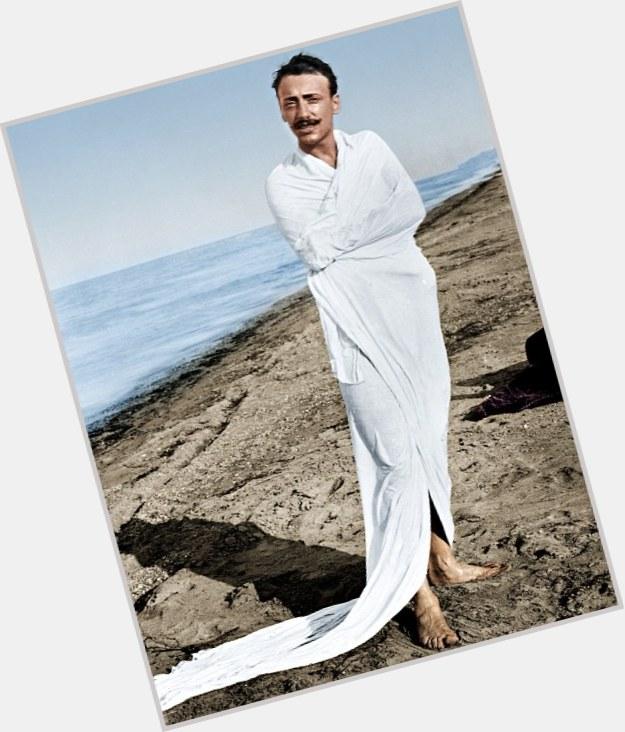 """<a href=""""/hot-men/gabriele-d-annunzio/where-dating-news-photos"""">Gabriele D Annunzio</a>"""