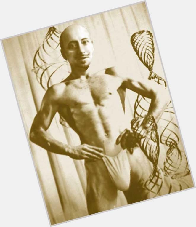 Gabriele D Annunzio sexy 3.jpg