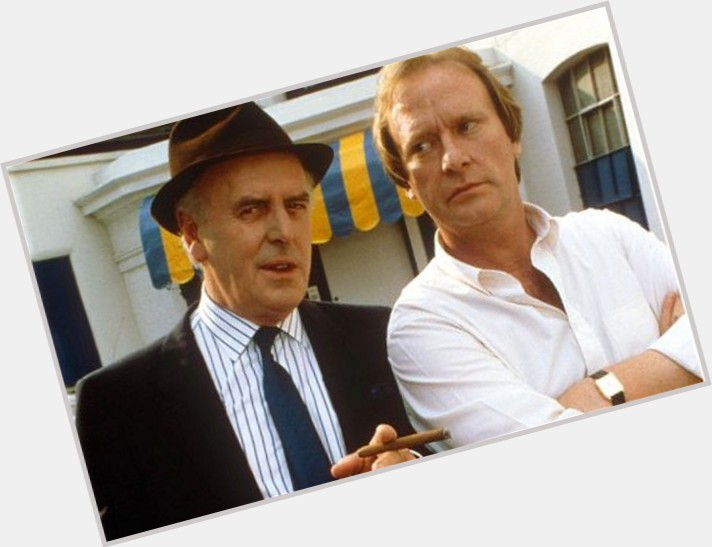 """<a href=""""/hot-men/george-cole/is-he-minder-actor-still-alive-married-acting"""">George Cole</a> Average body,  grey hair & hairstyles"""