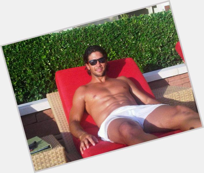 Gil Reyes dating 2.jpg