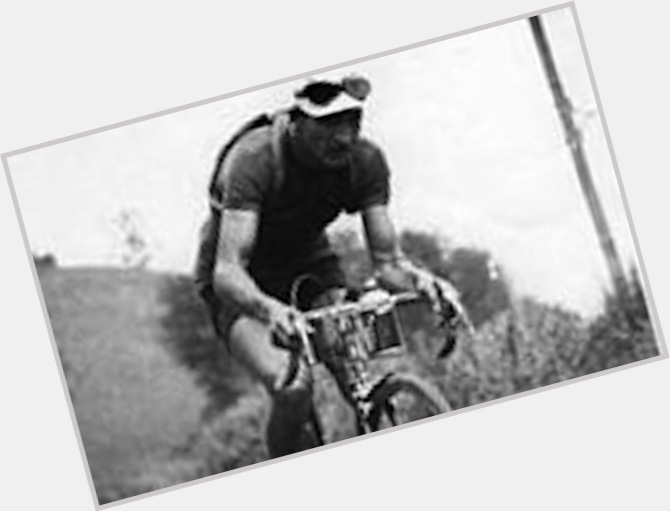 Gino Bartali full body 10.jpg