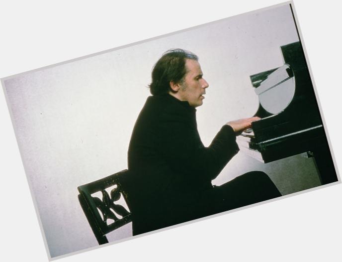 "<a href=""/hot-men/glenn-gould/where-dating-news-photos"">Glenn Gould</a>"