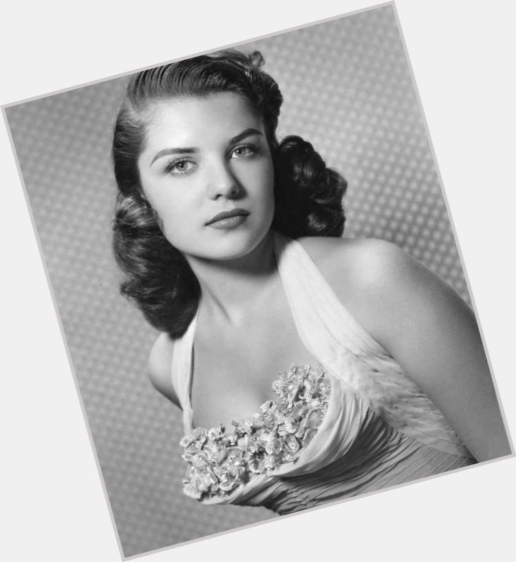 Gloria Gordon sexy 0.jpg