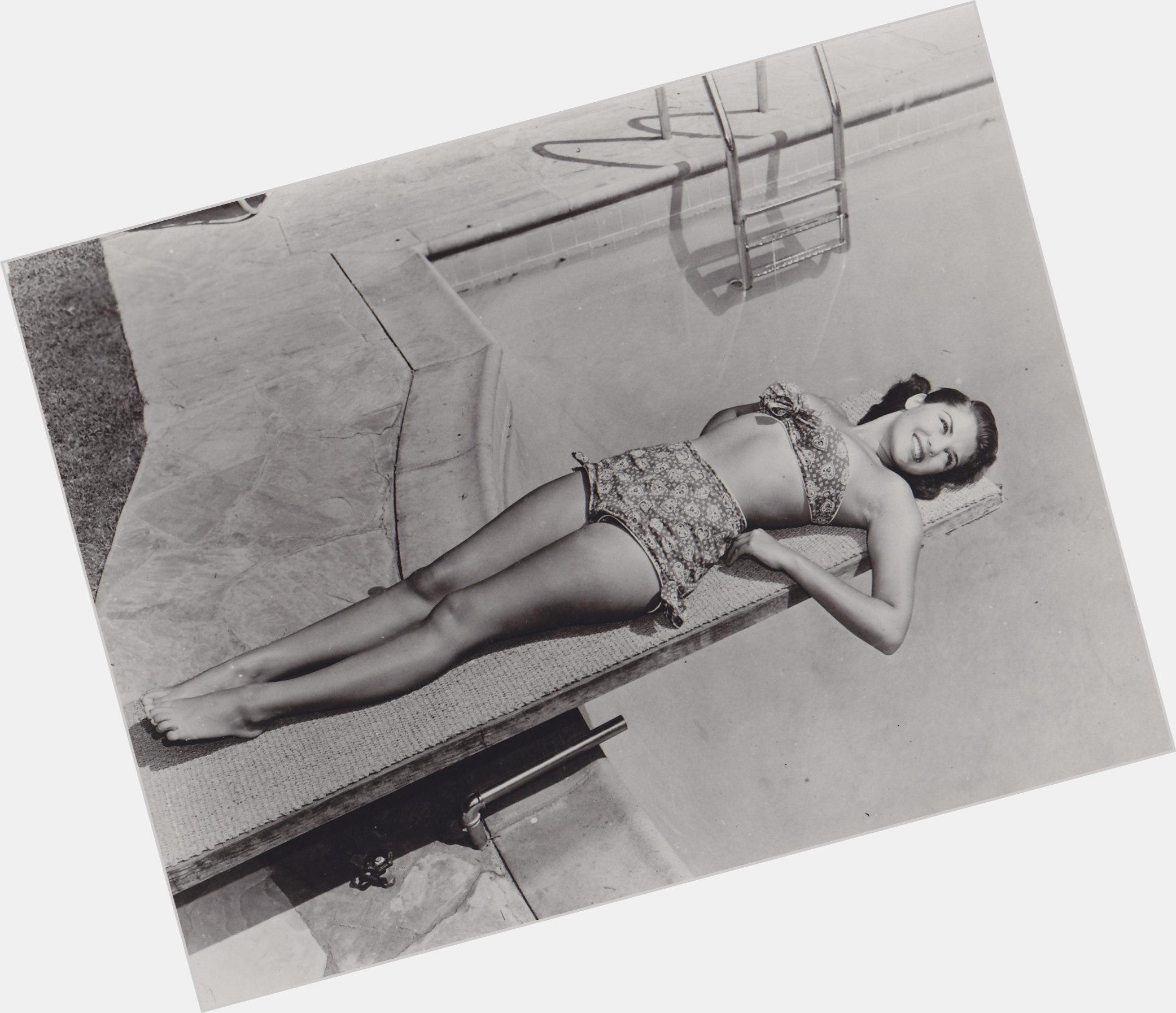 Gloria Gordon sexy 5.jpg