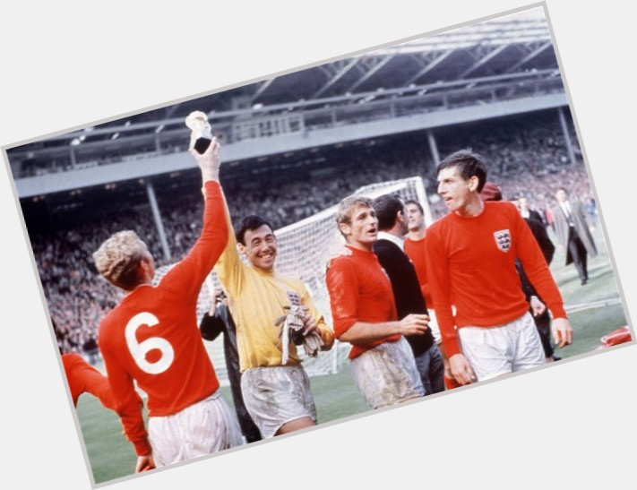 "<a href=""/hot-men/gordon-banks/where-dating-news-photos"">Gordon Banks</a>"