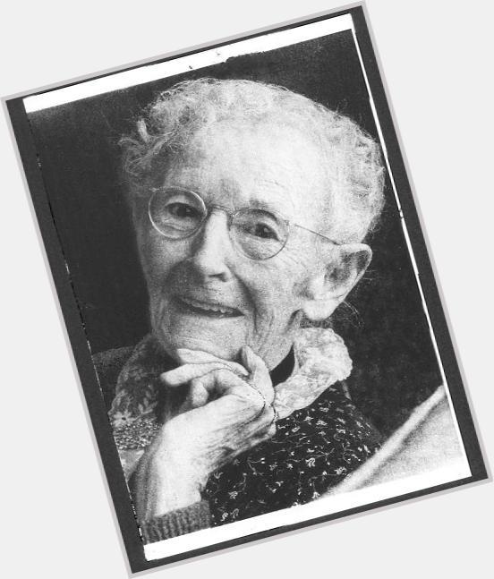 "<a href=""/hot-women/grandma-moses/where-dating-news-photos"">Grandma Moses</a> Slim body,  grey hair & hairstyles"