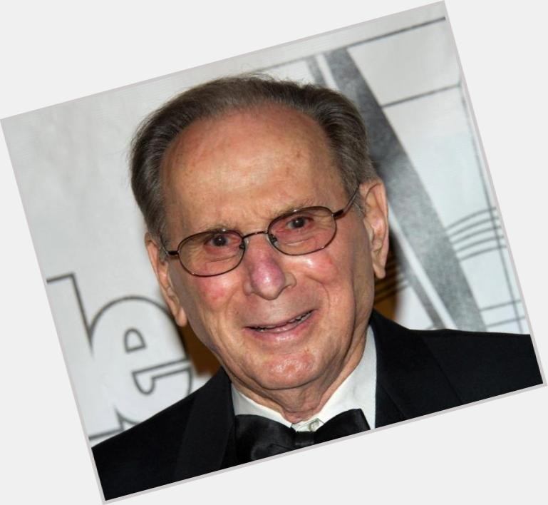 "<a href=""/hot-men/hal-david/is-he-still-alive-sick-ill-married-health"">Hal David</a> Average body,  salt and pepper hair & hairstyles"