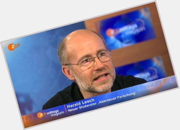 """<a href=""""/hot-men/harald-lesch/where-dating-news-photos"""">Harald Lesch</a>"""