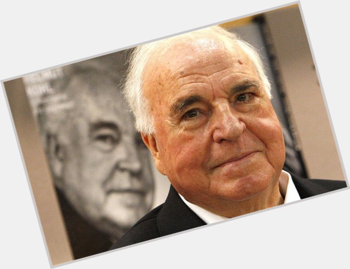 "<a href=""/hot-men/helmut-kohl/where-dating-news-photos"">Helmut Kohl</a>"