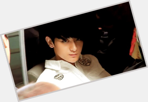 Huang Zitao full body 5.jpg