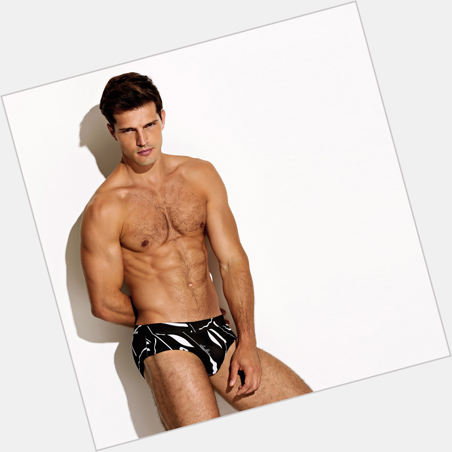 Hugh Dancy sexy 4.jpg