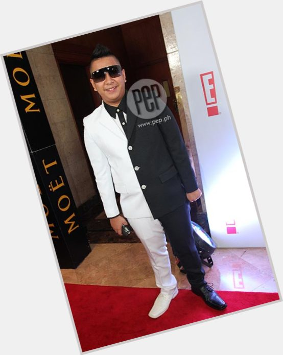 """<a href=""""/hot-men/igiboy-flores/where-dating-news-photos"""">Igiboy Flores</a> Large body,  black hair & hairstyles"""
