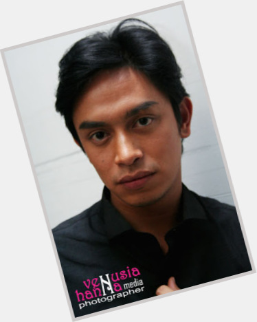 Iqram Dinzly new pic 1.jpg