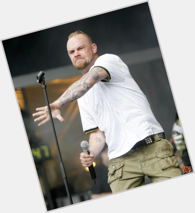 """<a href=""""/hot-men/ivan-l-moody/is-he-married-tall-l."""">Ivan L Moody</a> Athletic body,  bald hair & hairstyles"""