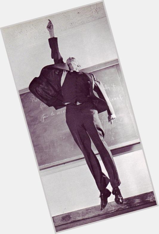 """<a href=""""/hot-men/j-robert-oppenheimer/where-dating-news-photos"""">J Robert Oppenheimer</a>"""