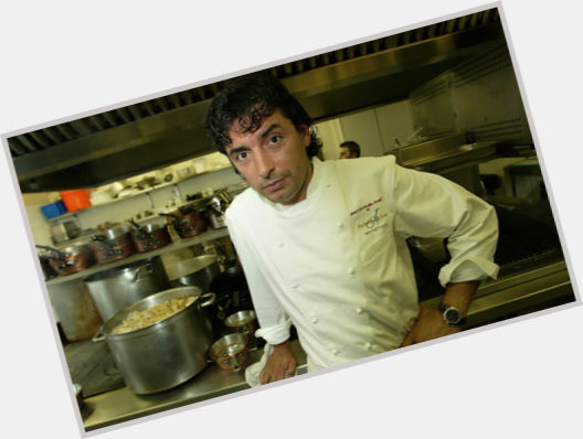 "<a href=""/hot-men/jean-christophe-novelli/is-he-married-where-cookery-school-much-worth"">Jean Christophe Novelli</a> Average body,  dark brown hair & hairstyles"