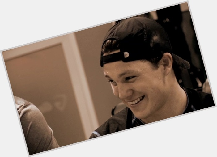 Jeff Skinner exclusive hot pic 9.jpg