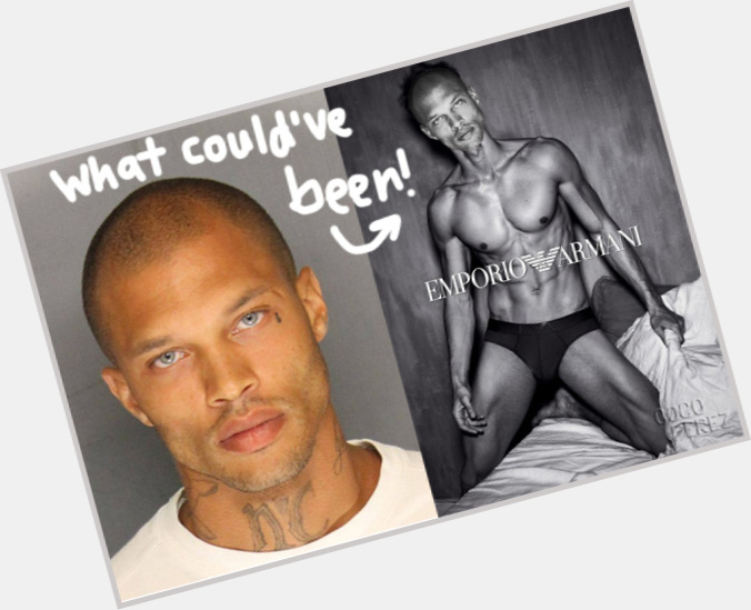 "<a href=""/hot-men/jeremy-meeks/is-he-dead-married-alive-really-still-died"">Jeremy Meeks</a> Athletic body,  bald hair & hairstyles"