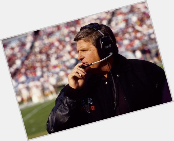 """<a href=""""/hot-men/jerry-glanville/where-dating-news-photos"""">Jerry Glanville</a> Average body,  dark brown hair & hairstyles"""