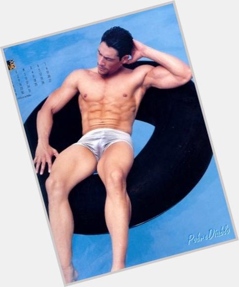 "<a href=""/hot-men/johnny-lozada/where-dating-news-photos"">Johnny Lozada</a>"