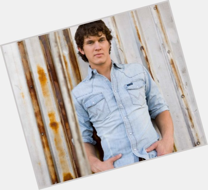 Jon Pardi dating 3