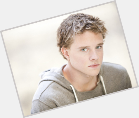 Jonny Weston dating 2.jpg
