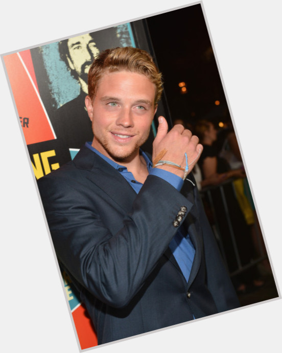 Jonny Weston hairstyle 3.jpg