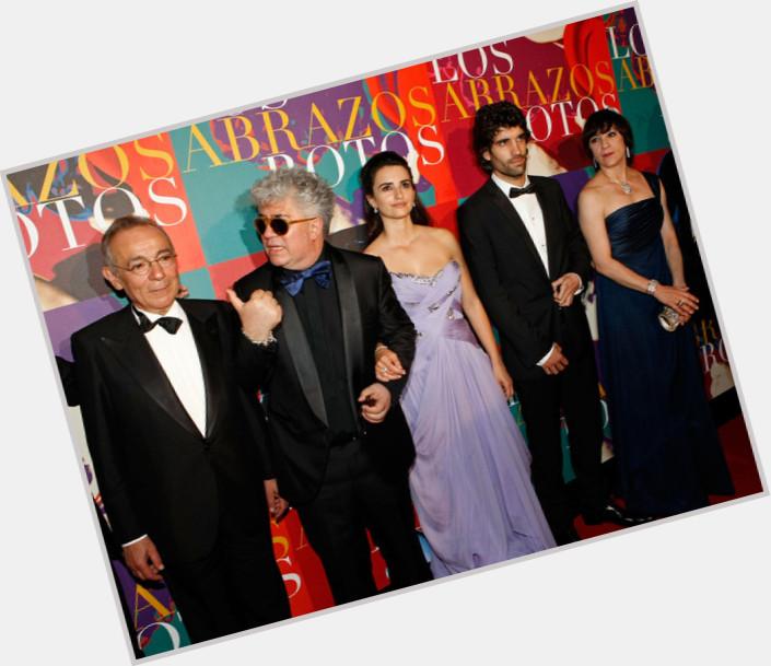 "<a href=""/hot-men/jose-luis-gomez/where-dating-news-photos"">Jose Luis Gomez</a>"