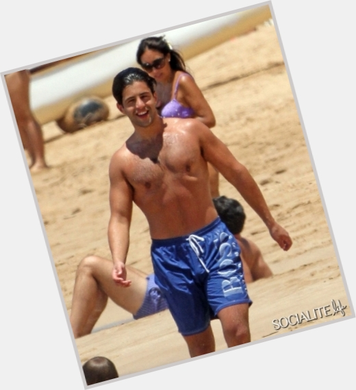 "<a href=""/hot-men/josh-nichols/where-dating-news-photos"">Josh Nichols</a> Athletic body,  black hair & hairstyles"