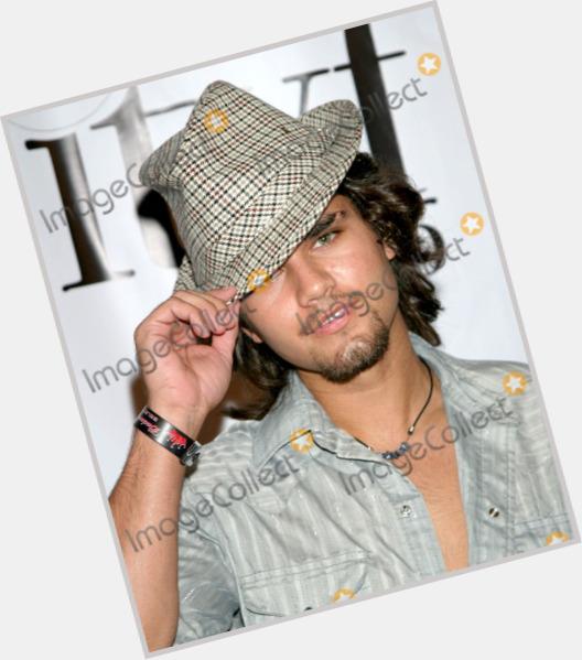 "<a href=""/hot-men/joshua-brown/where-dating-news-photos"">Joshua Brown</a> Average body,  salt and pepper hair & hairstyles"