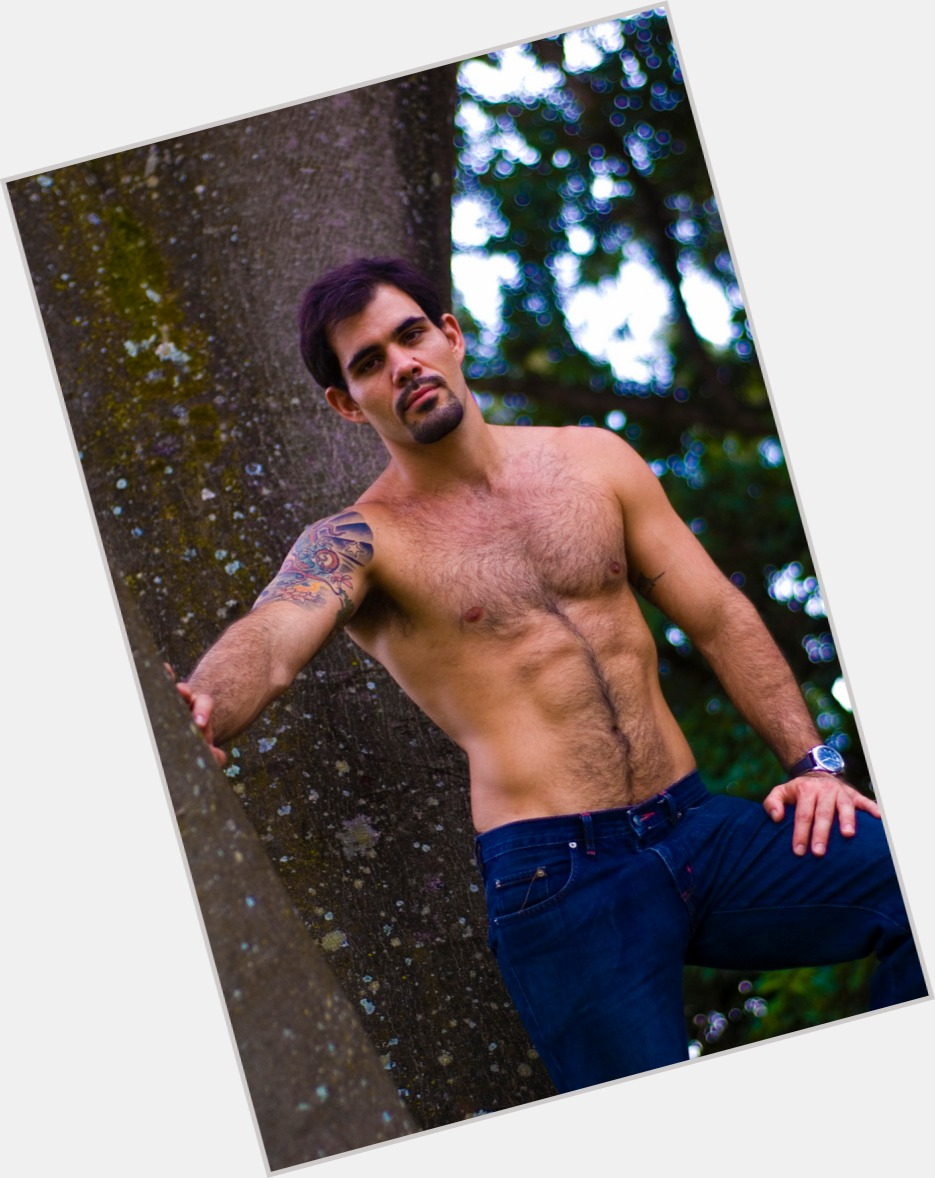 "<a href=""/hot-men/juliano-cazarre/where-dating-news-photos"">Juliano Cazarre</a> Athletic body,  dark brown hair & hairstyles"