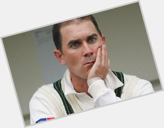 Justin Langer dating 3.jpg