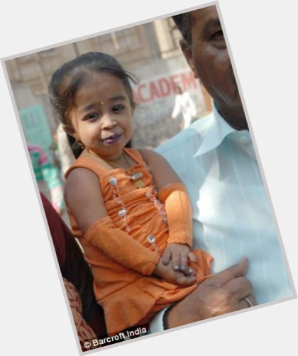 Jyoti Amge dating 2.jpg