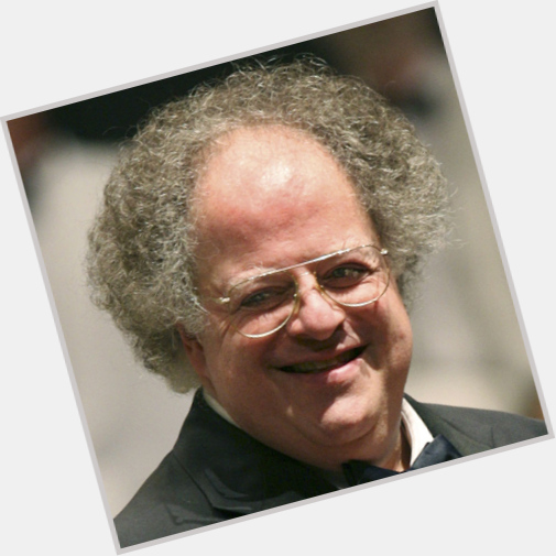 """<a href=""""/hot-men/james-levine/is-he-married-related-adam-sick-american-idol"""">James Levine</a> Average body,  salt and pepper hair & hairstyles"""