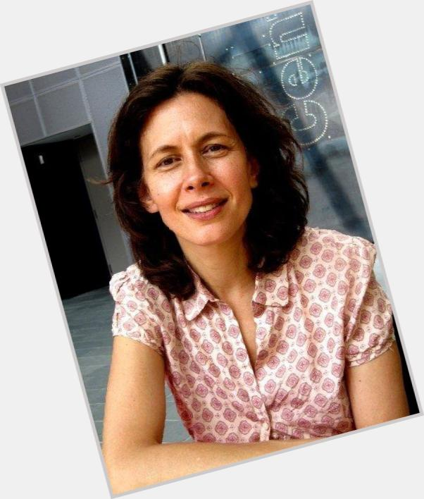 """<a href=""""/hot-women/jessica-hecht/is-she-related-anne-sick"""">Jessica Hecht</a> Average body,  dark brown hair & hairstyles"""