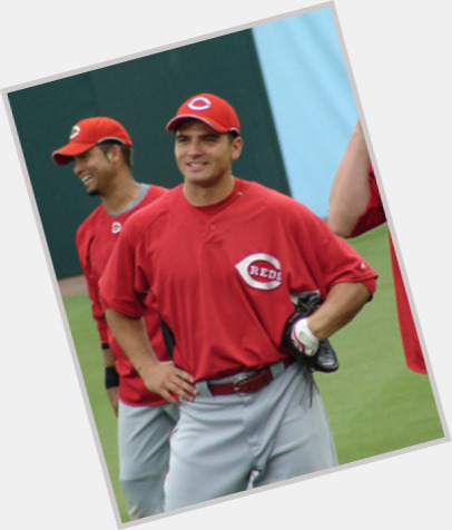 "<a href=""/hot-men/joey-votto/is-he-married-homosexual-jerk-italian-single-overrated"">Joey Votto</a> Athletic body,  dark brown hair & hairstyles"